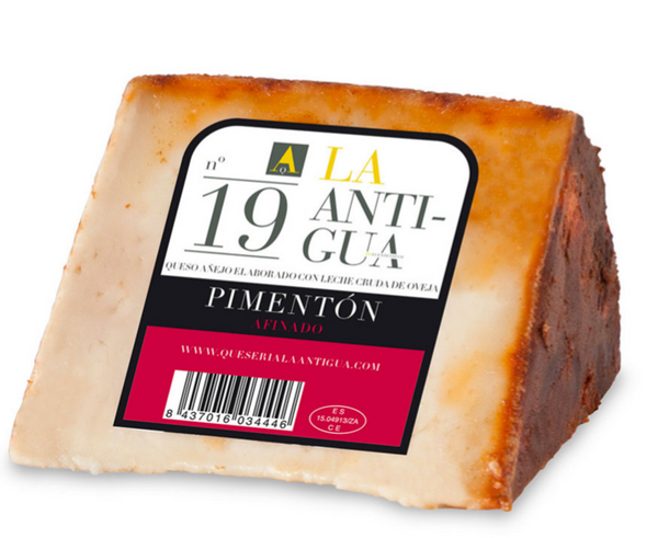 AGED SHEEP CHEESE WITH PIMENTÓN. APROX. 360-400GR