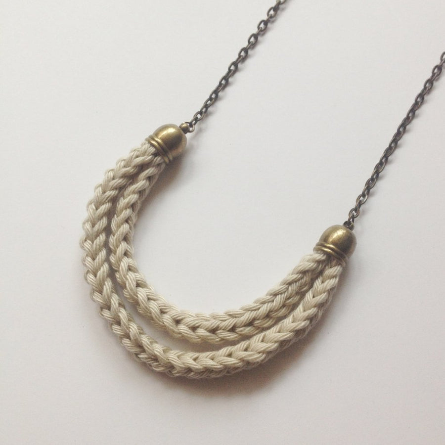 Aroa Necklace