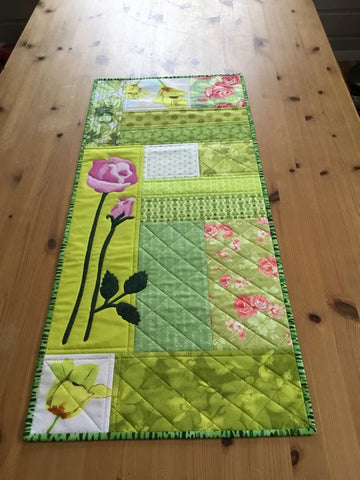 Spring Rose in Pink Table Runner