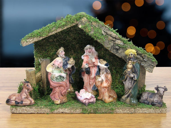 "Nativity Figurine Set of 8 Polystone Figures .75"" to 2.75""H and Stable Creche Wood and Moss 5 Inch"