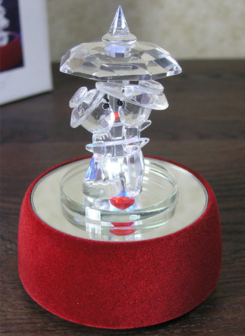 Love Music Figurine - Crystal Couple Kissing on a Red Velvet LED Musial Base(9846)