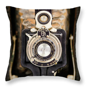 Brownie Junior Antique Box Camera - Throw Pillow
