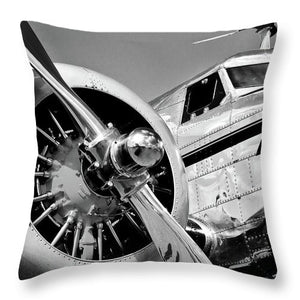 Historic Military Plane Propeller - Throw Pillow (black & white)