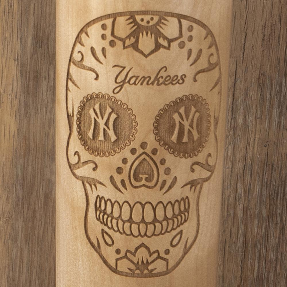 New York Yankees Sugar Skull Baseball Bat Mug Details