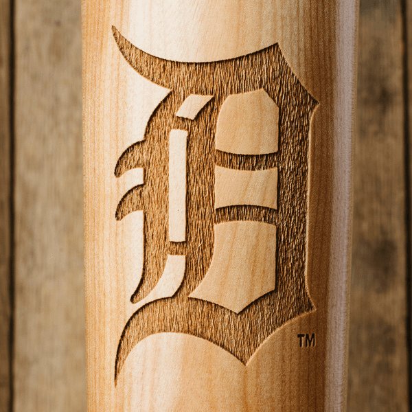 baseball bat mug  Detroit Tigers D close up