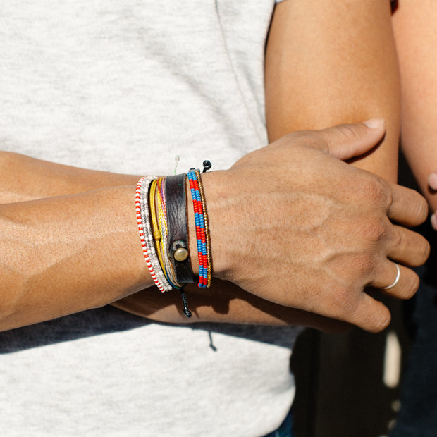 Crimson and Lapis Striped Skinny Mstari Bracelet