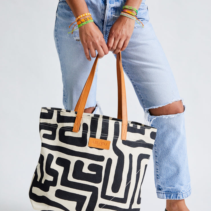 Go-To Tote in Black & Eggshell