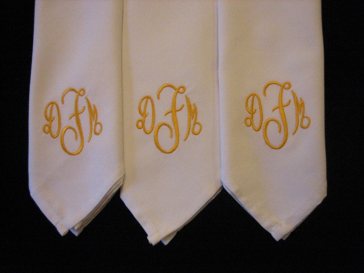 8 Monogrammed  dinner napkins includes shipping in the US
