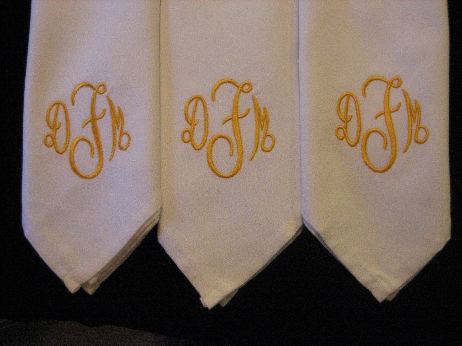 12 Monogrammed  dinner napkins includes shipping in the US