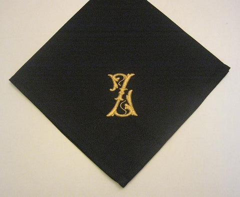 6 Monogrammed dinner napkins includes shipping in the US