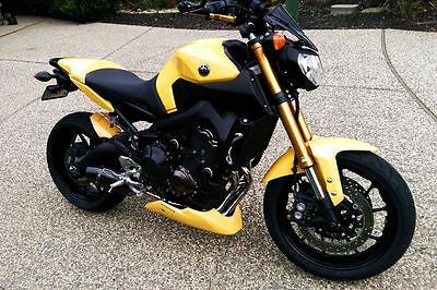 Yamaha MT09 & FZ09 13-2016 GRP  Belly Pan Spoiler Yellow Finish Pyramid