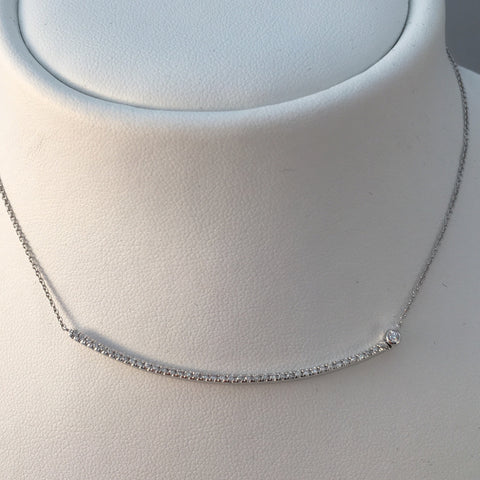 18k White Gold Curve Bar Necklace
