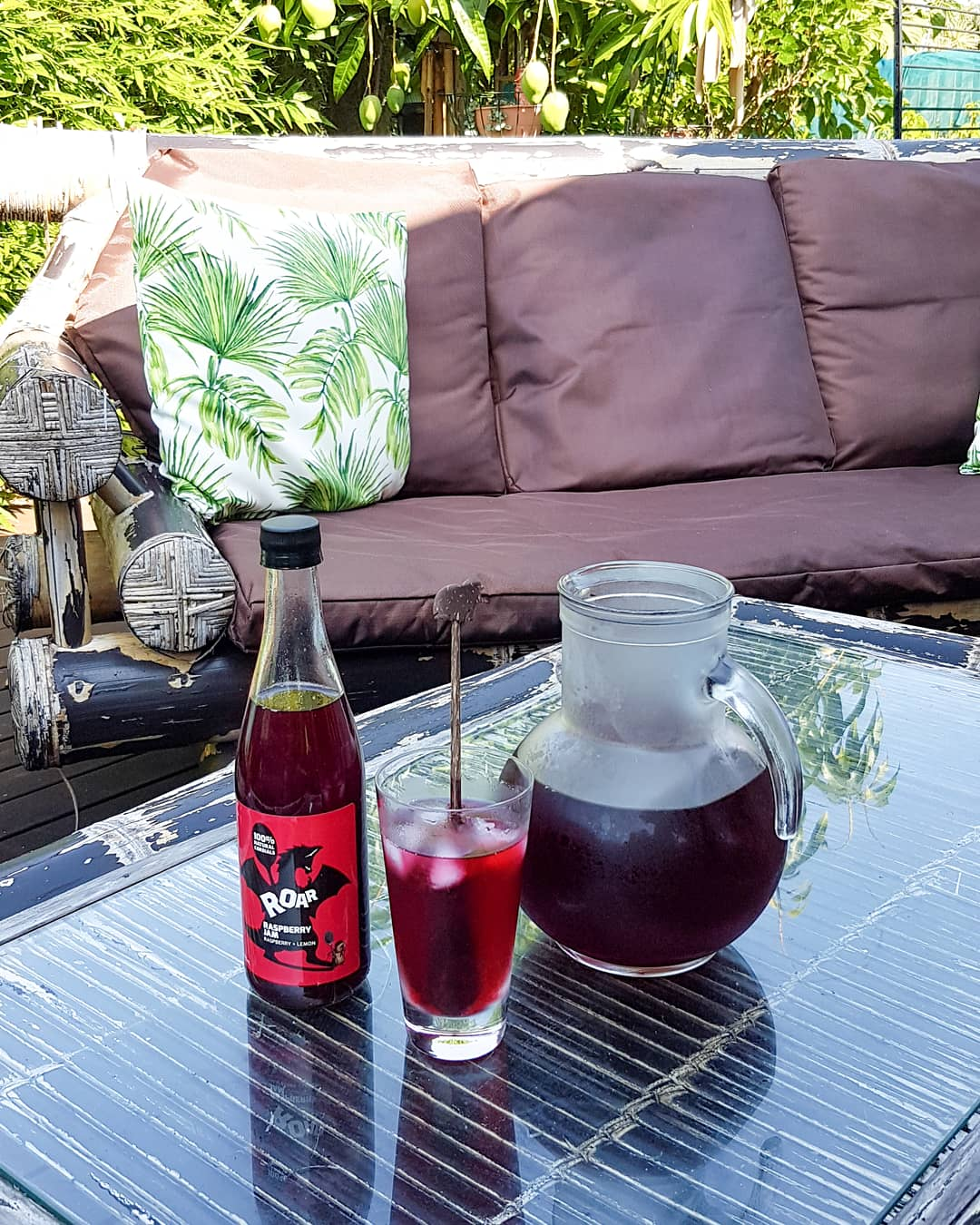 Iced tea recipe. Hibiscus Flower. Floral tea. Roar Living. Raspberry cordial. Natural cordials. Australian raspberry cordial. Summer drink