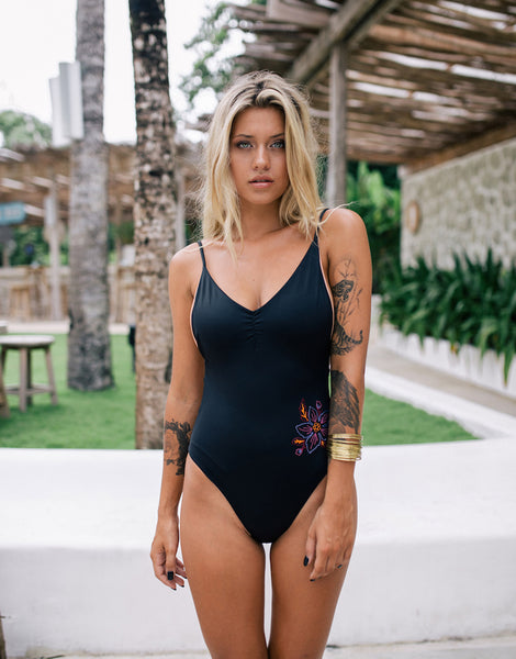 ELLA STELLA ONE PIECE BLACK WILD ROSE