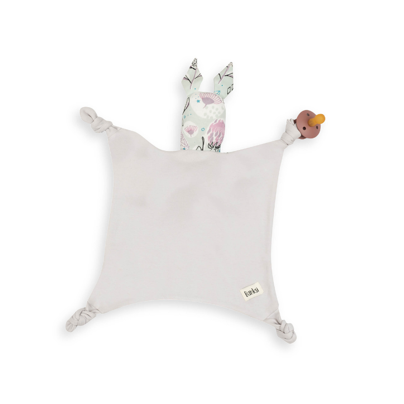 Kippins: Breathable organic cotton baby comforters with a story