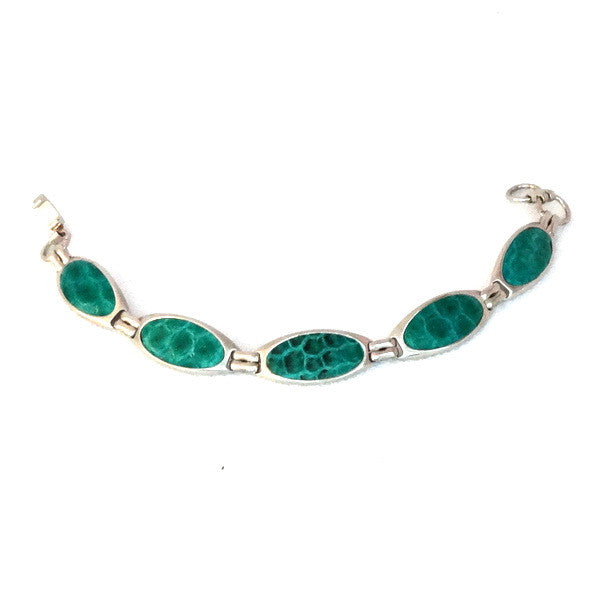 Nickel plated bracelet in jade green sea snake skin