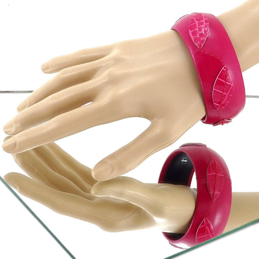 Kim   Bangle round large leather jewellery pink on pink leather