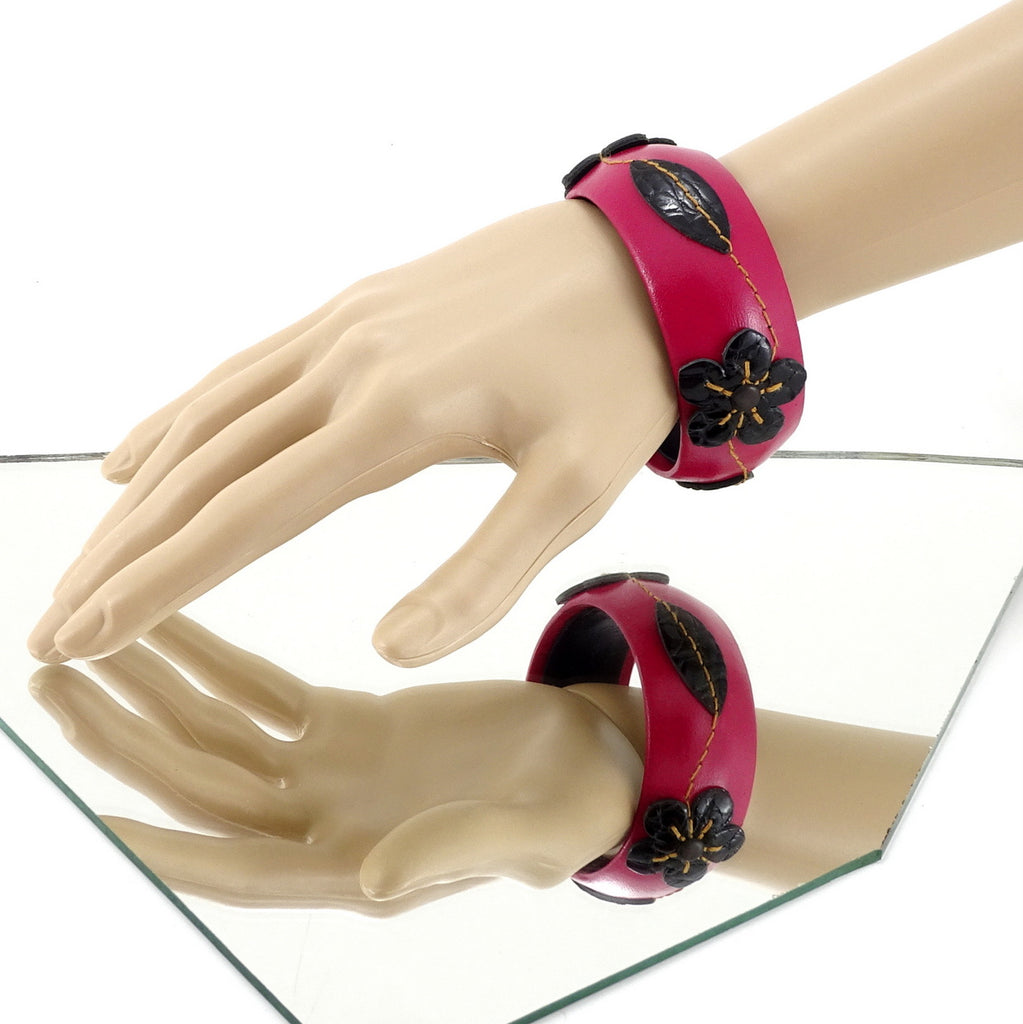 Kim   Bangle round medium leather jewellery hot pink with black details