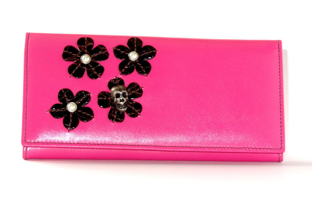 Caitlin  Pink leather with flower, pearls & skull detail ladies purse front view