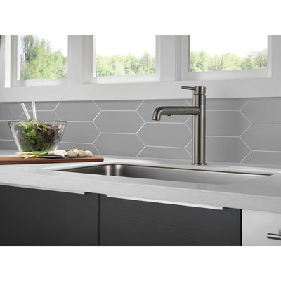 Delta Trinsic Black Stainless Steel Finish Single Handle Pull-Out Kitchen Faucet D4159KSDST
