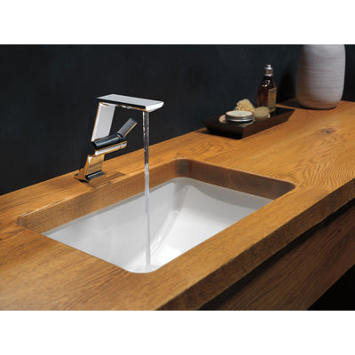 Delta Pivotal Chrome Finish Single Handle Mid-Height Bathroom Sink Faucet D699DST