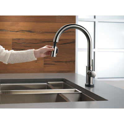 Delta Trinsic Black Stainless Steel Finish Single Handle Pull-Down Kitchen Faucet with Touch2O D9159TKSDST