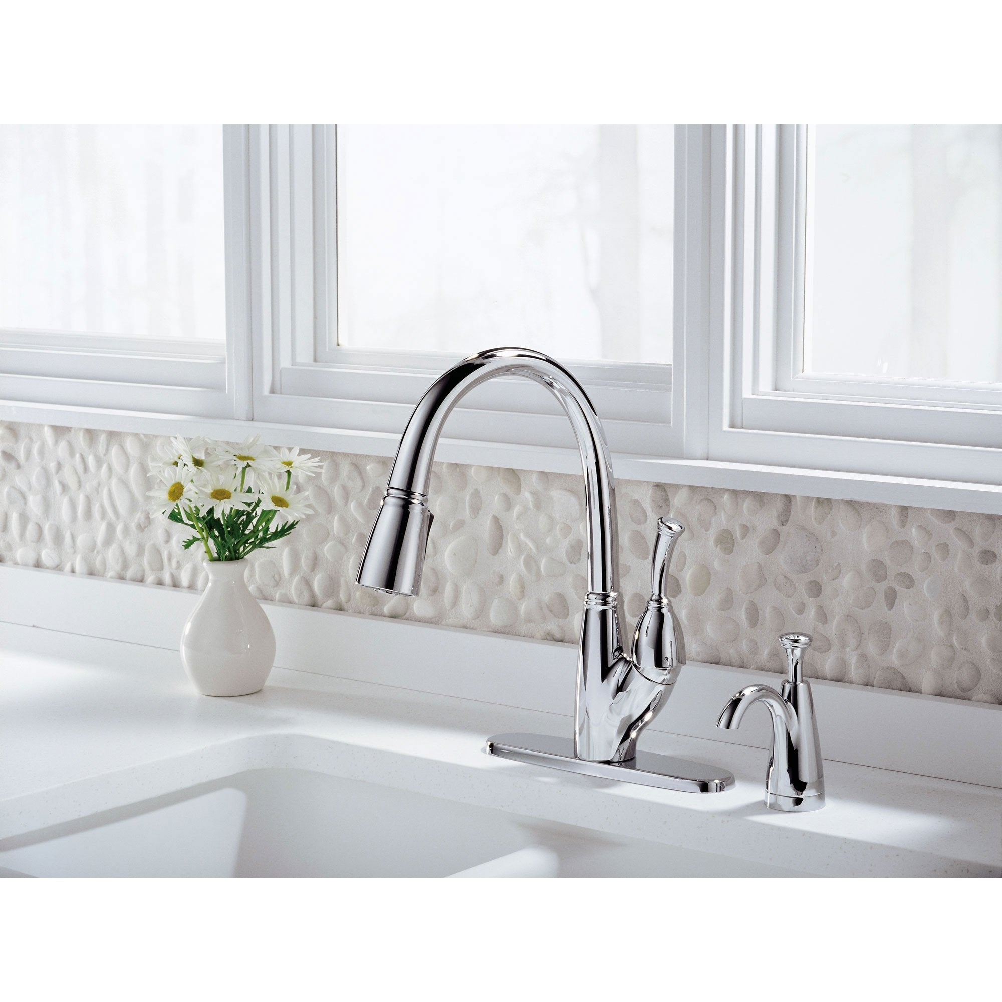 Delta Chrome Finish Allora Collection Single Handle Pull Down Kitchen Sink Faucet and Soap Dispenser Package D036CR