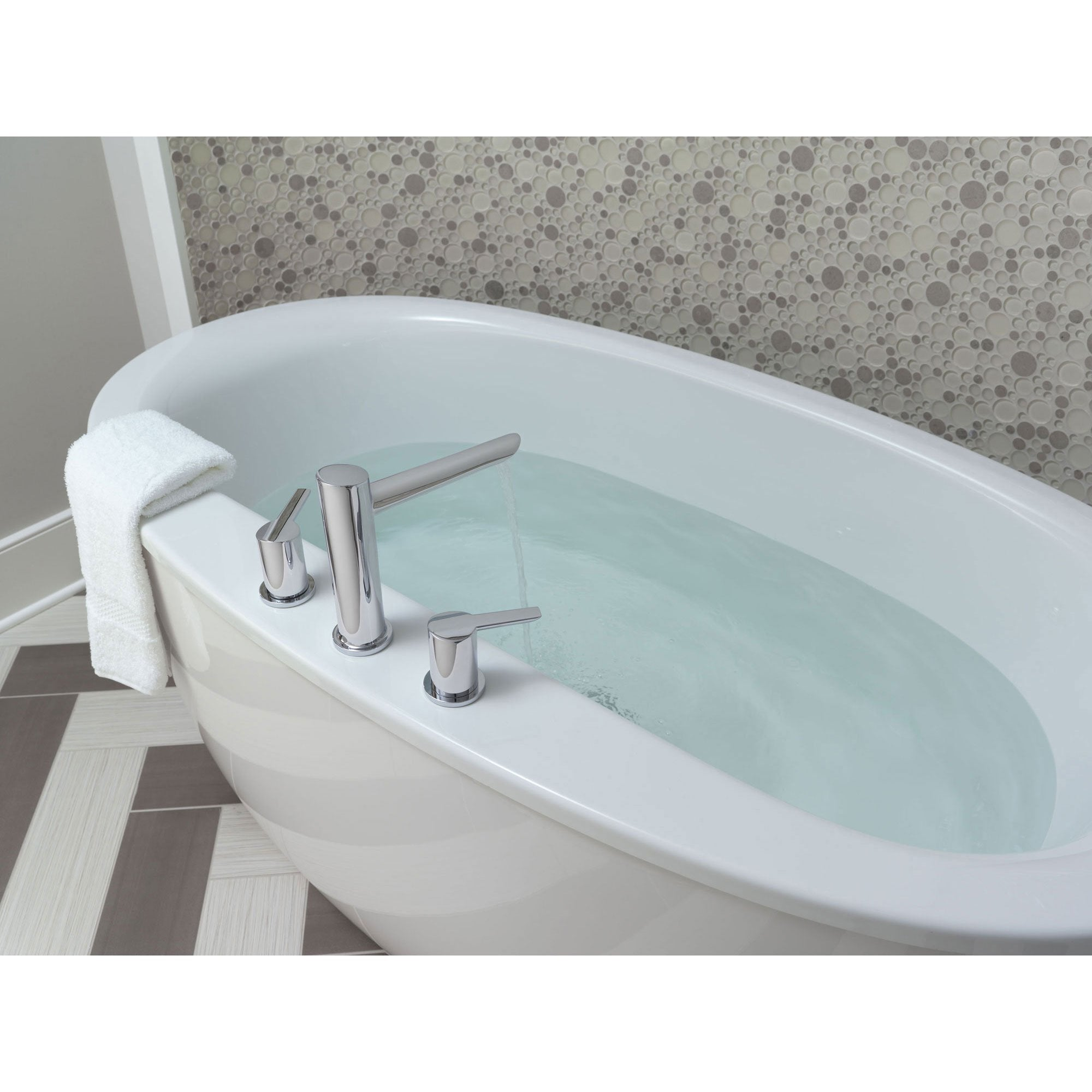 Delta Compel Modern Chrome 2-Handle Roman Tub Filler Faucet with ...