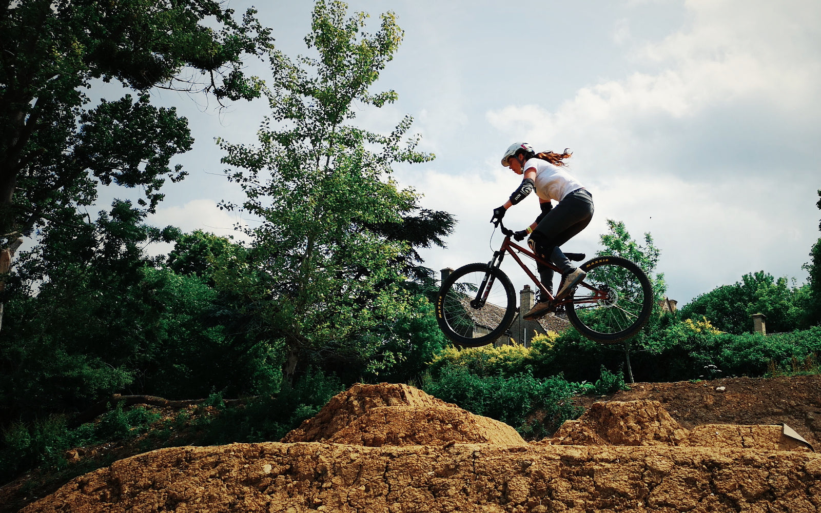Dirt jumping at fly up 417