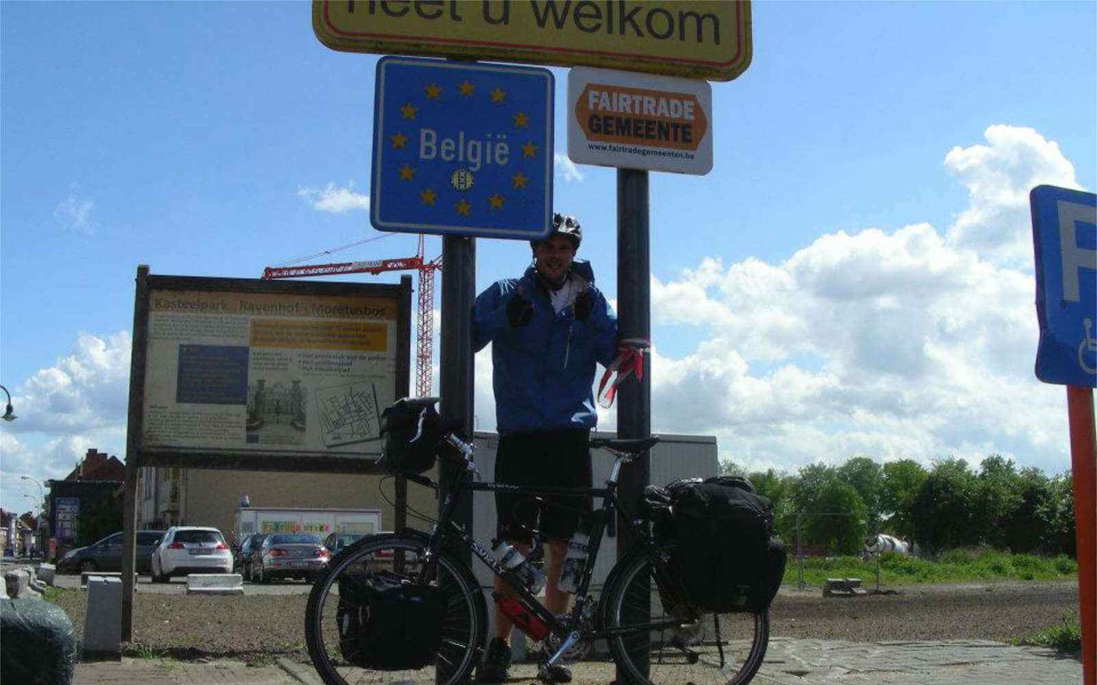 Si on the bike reaching Belgian border by bike