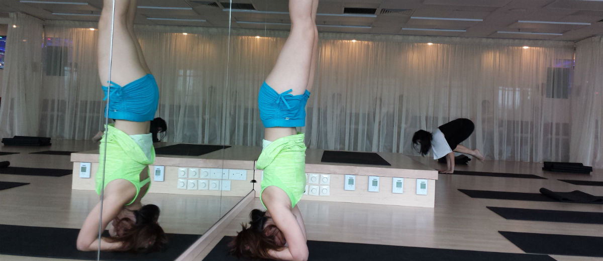 mirror headstand