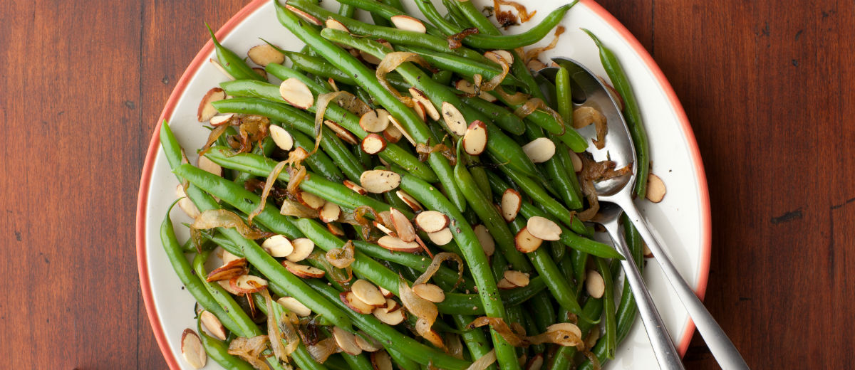 thanksgiving green beans almonds
