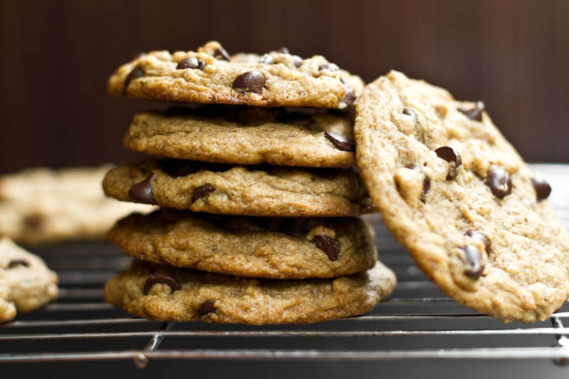 vegan-chocolate-chip-cookies