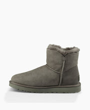 Ugg Mini Bailey Button II Grey