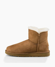 Ugg Mini Bailey Button II Chestnut