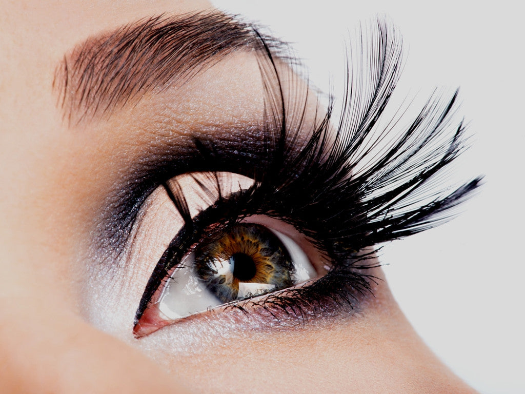 5 Over-the-Top Cut Crease Looks You'll Want to Try