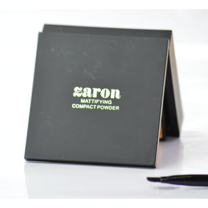 Zaron's Mattifying Compact Powder