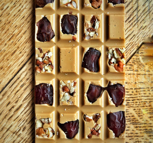 Gold Chocolate Pecan & Date Bar