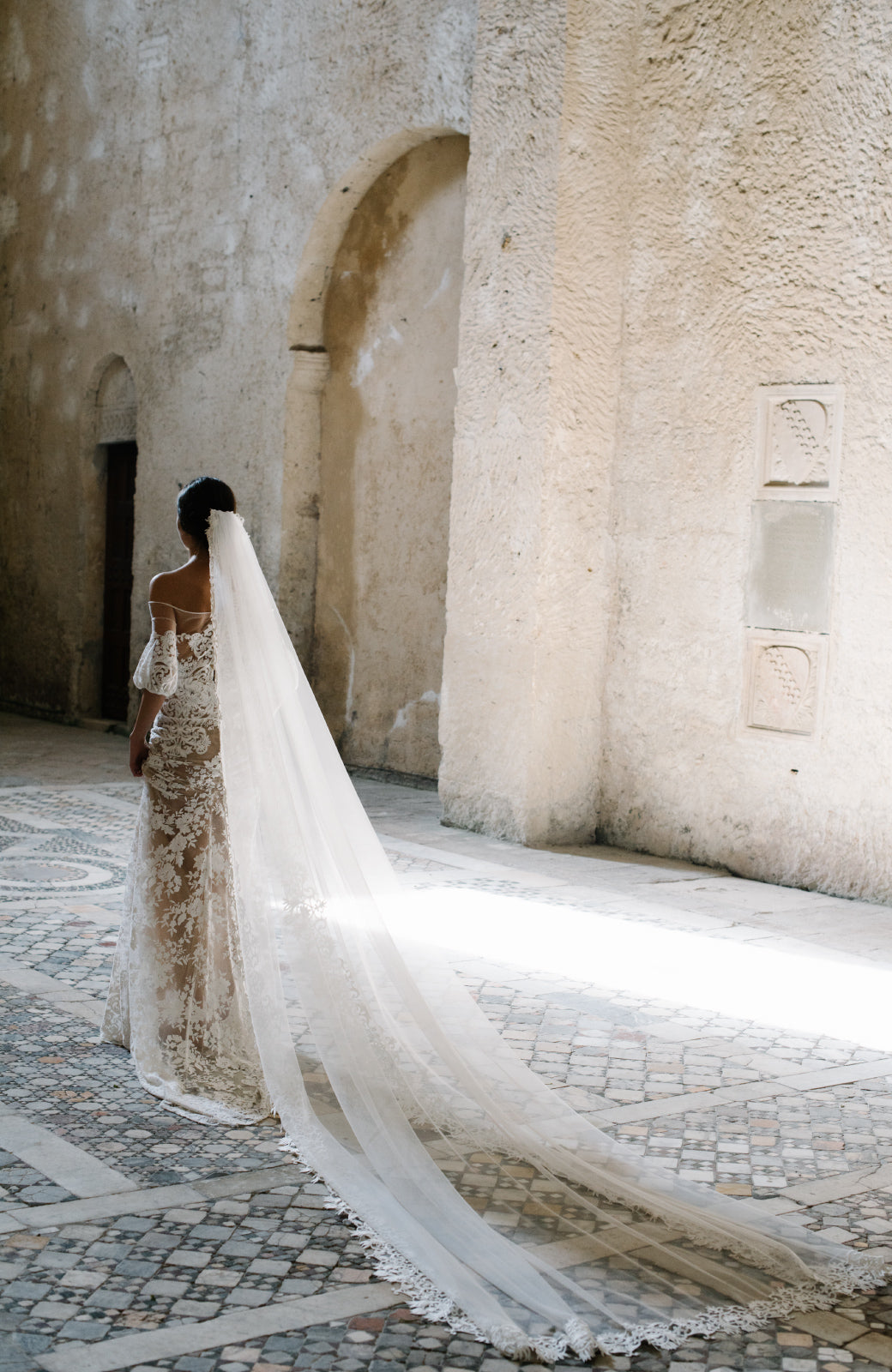 Contessa Cathedral Wedding Veil - Daphne Newman Design