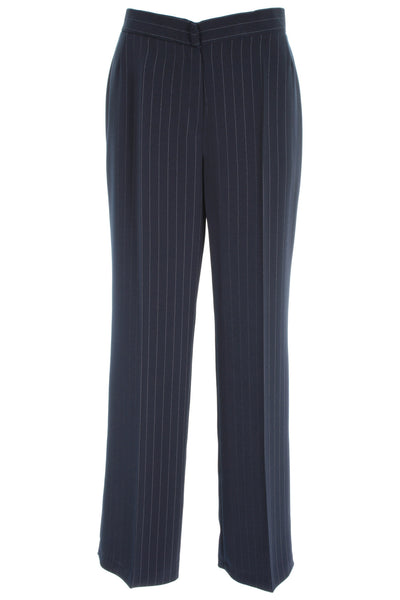 Discover men's smart and formal trousers at ASOS. Shop for the range of formal trousers for men available in black or navy blue to complete your look.