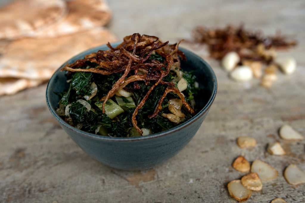 Kale hindbeh - Sautéed kale with caramelized onions