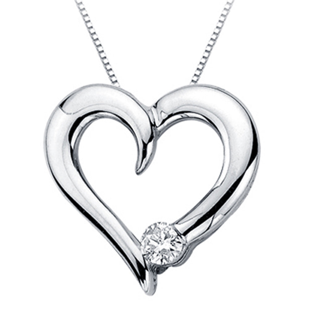 Diamond Heart Pendant with Chain in 14K White Gold (1/10 cttw)
