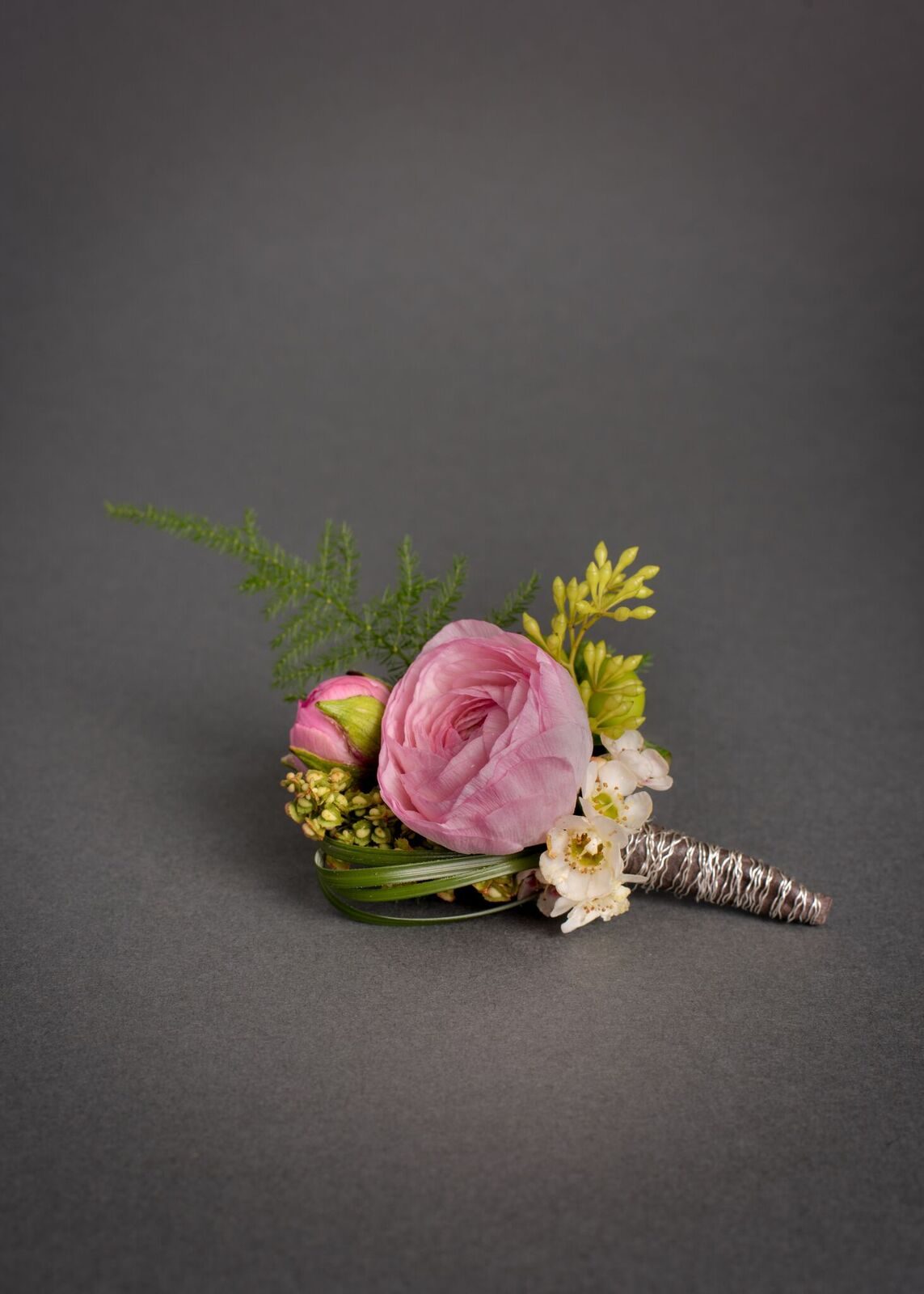 Fresh Floral Boutonniere with Magnetic Aid for Easy Placement