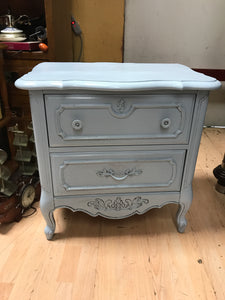 "Shabby chic Night Stand size is 16""x25""x25"