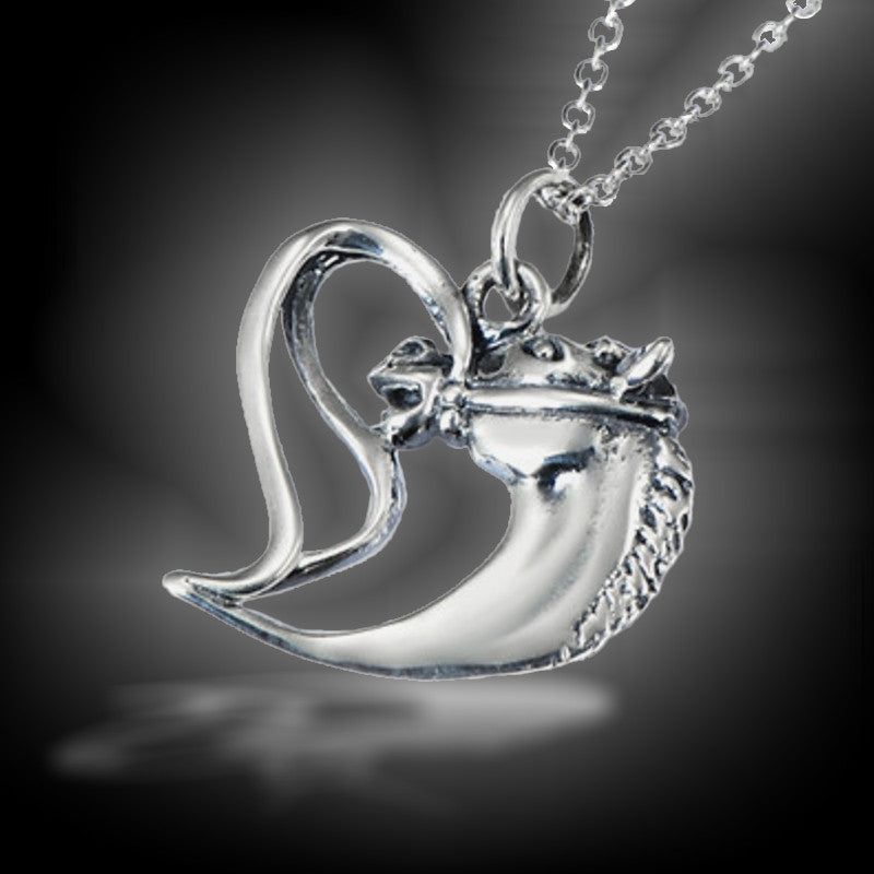 collier pendentif coeur cheval argent massif chevaux. Black Bedroom Furniture Sets. Home Design Ideas