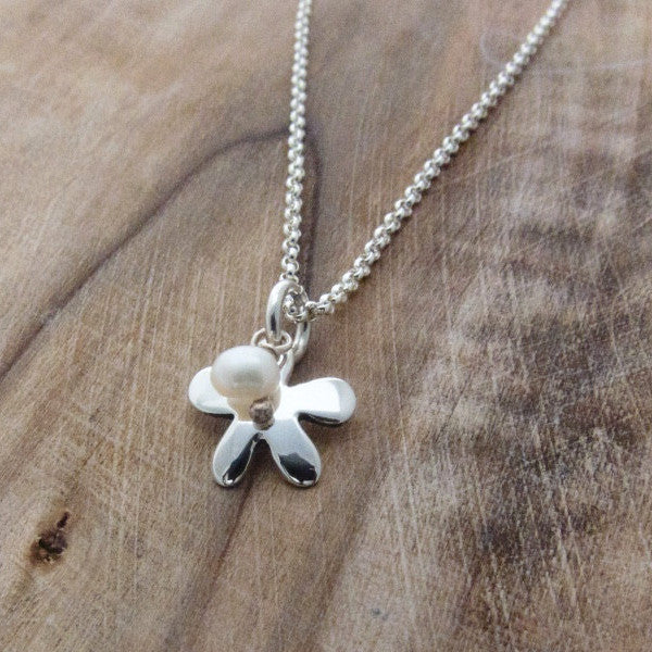 Petite Daisy Pendant - High Polished Silver - White Fresh Water Pearl - Pendant