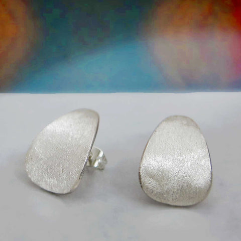 Daisy Petal Matte Silver Earrings - Post