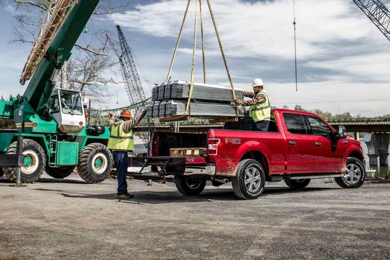 What is GVWR and Payload Capacity of 2018 Ford F-150?