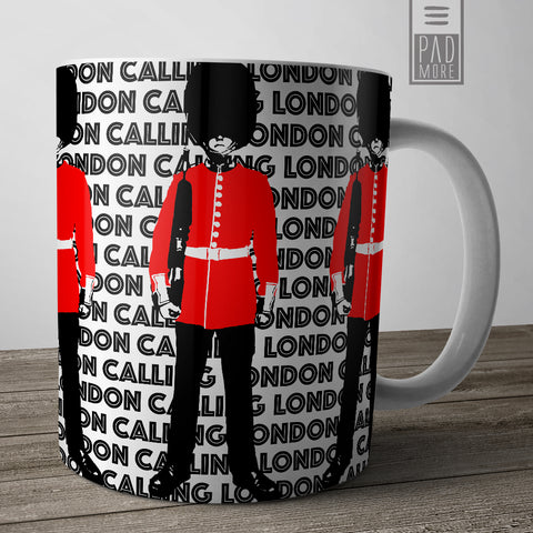 The Queen's Guard London Mug