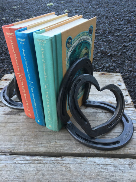 Horseshoe heart bookends